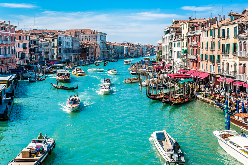 Venice is located 31 km (19 miles) of Treviso Airport.